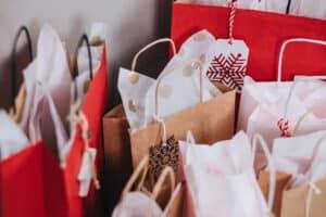 Weihnachtliche Geschenketüten